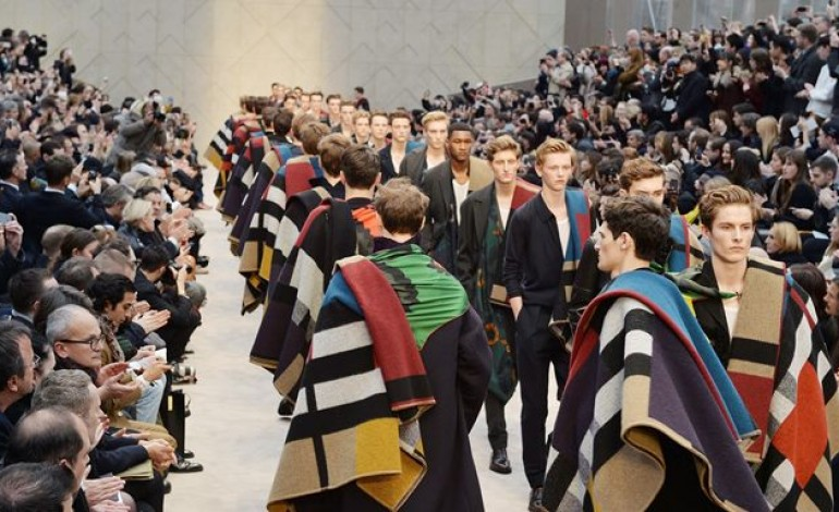 Anche Londra si allinea alle fashion week