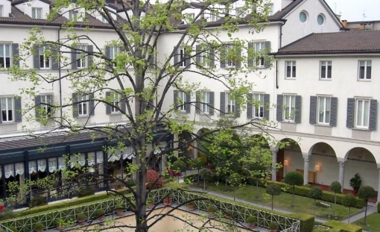 Hotel di lusso, Statuto studia l'Ipo