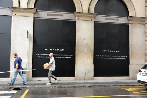 Burberry Brit Store A Milano : Burberry abbassa la serranda di via verri pambianco news