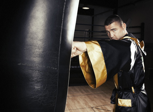 In apertura, il campione Imre Szello in Dolce & Gabbana per Italia Thunder Team Boxing Team
