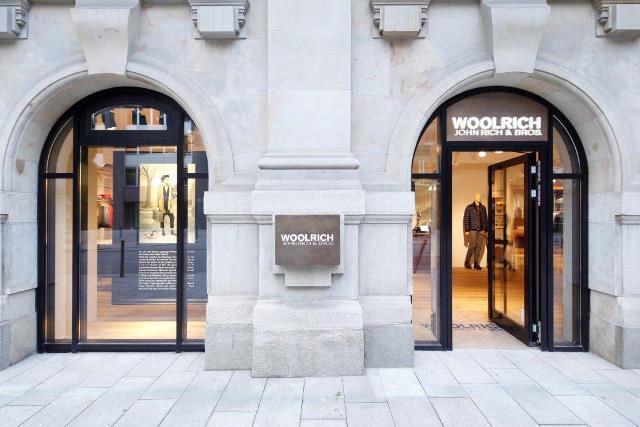Woolrich John Rich & Bros  store ad Amburgo