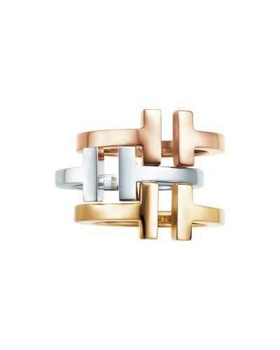 Un modello della nuova collezione Tiffany T Collection