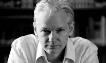 Assange porta WikiLeaks nella moda