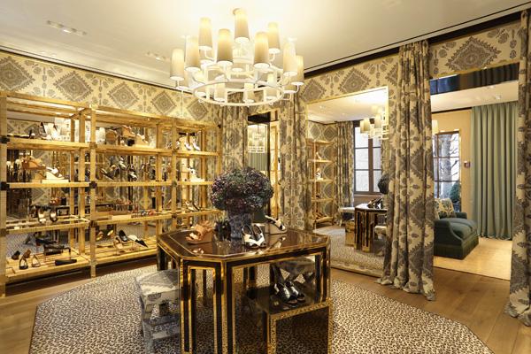 Un ambiente del nuovo store Tory Burch a Milano