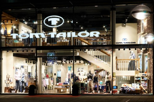 Un negozio Tom Tailor