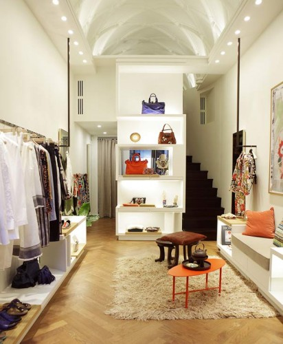 L'interno del nuovo flagship Malìparmi in via Verri