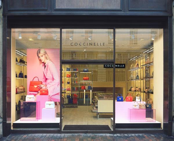 L'esterno dello store londinese di Coccinelle