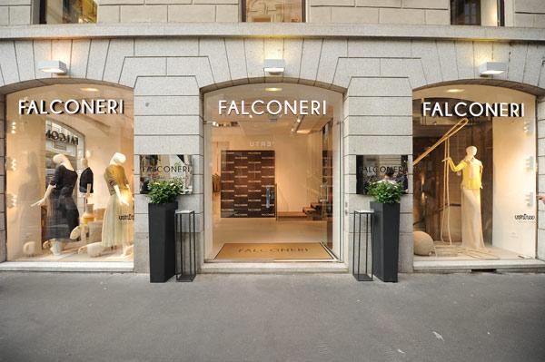 L'esterno dello store Falconeri in via Montenapoleone