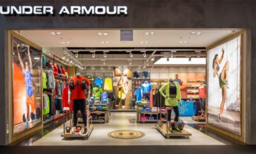 Under Armour taglia stime 2017. Titolo a -25%