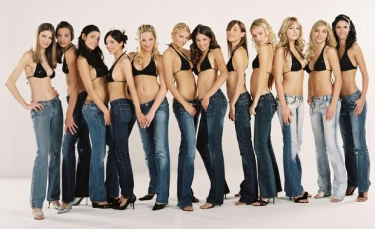 Le americane si tolgono i jeans