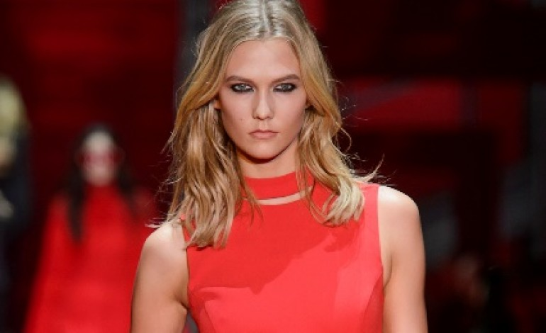 La passerella Versace cambia location
