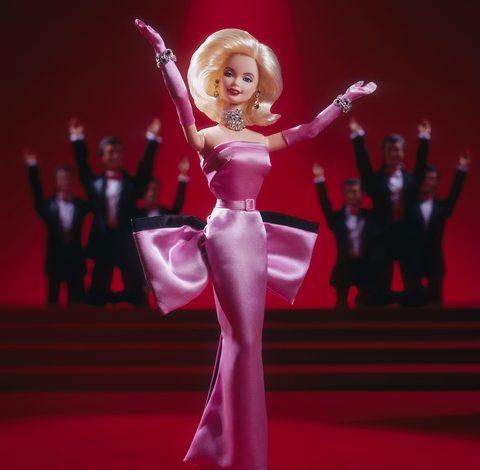 Fitch spinge il rating di Barbie nella spazzatura