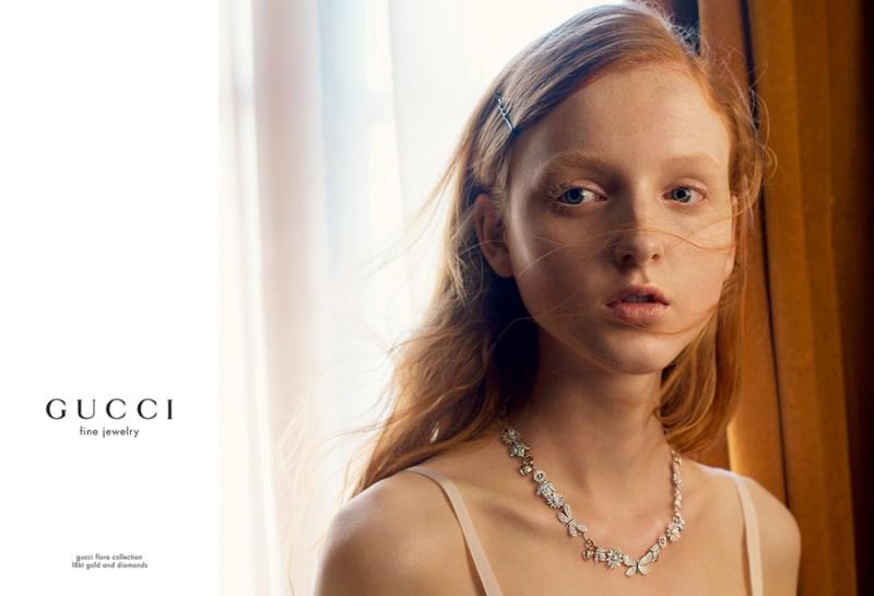 Collana della collezione Flora di Gucci - Modella, Madison Stubbington
