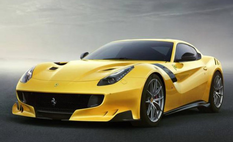 Ferrari svela doppia Ipo. Ny poi Milano