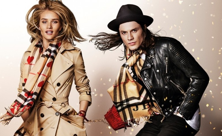 Burberry fonde 3 linee in un unico brand