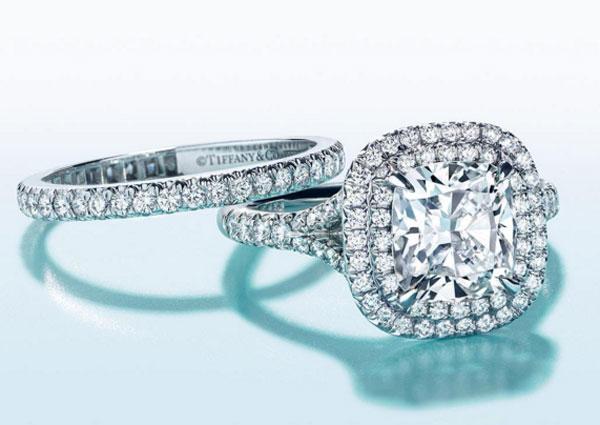 Tiffany, gli utili calano del 9% nel 2015
