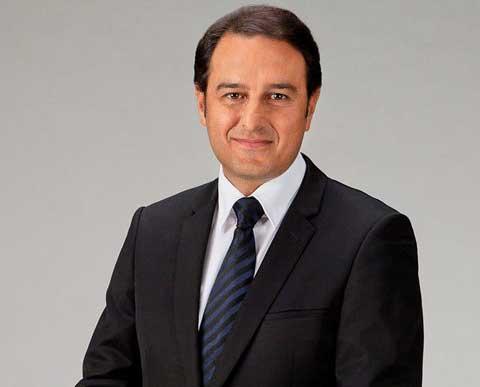 Khan, 16 mesi in Luxottica per 20 mln