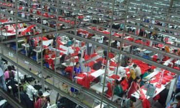 Il Bangladesh scorda il Rana Plaza. Chiuso l'ufficio sicurezza fabbriche
