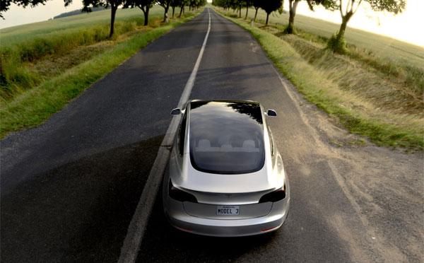 Tesla alza il tiro: 500mila auto già nel 2018