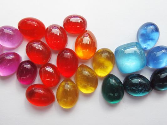 Pietre e perle per la moda