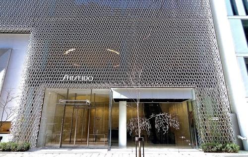 Passa a Shiseido la bellezza di Dolce & Gabbana