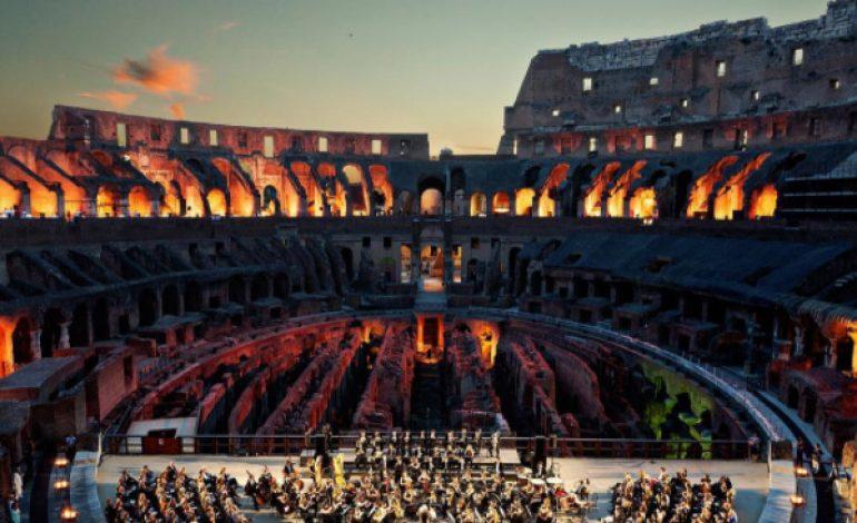 Monumenti griffati. Tod's festeggia il Colosseo