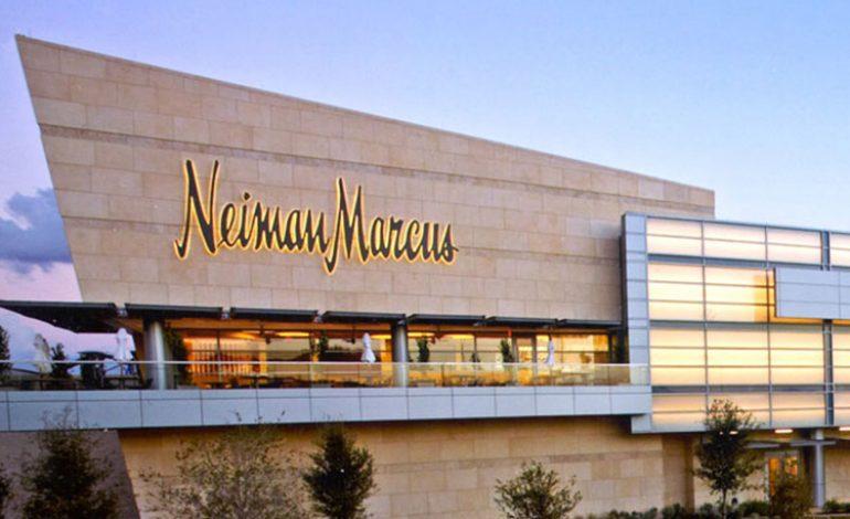 S&P spinge Neiman Marcus in 'spazzatura'