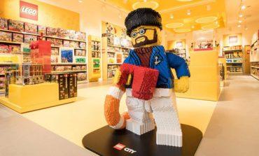 Lego sbarca in Piazza San Babila
