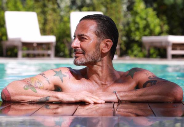 Marc Jacobs anticipa i saldi online