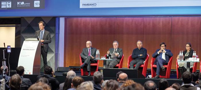 Sul palco da sinistra, David Pambianco, Carlo Pambianco, Flavio Valeri, Carlo Capasa, Claudio Marenzi e Francesca Di Pasquantonio