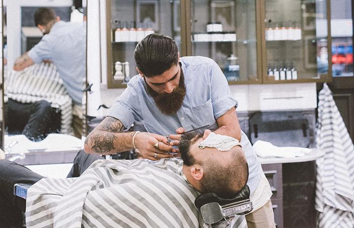 Tornano  barba e baffi