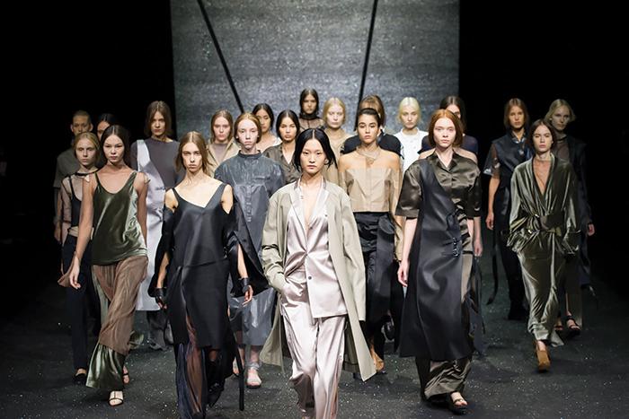 Passerelle nazionaliste? Milano tra le fashion week più 'aperte'
