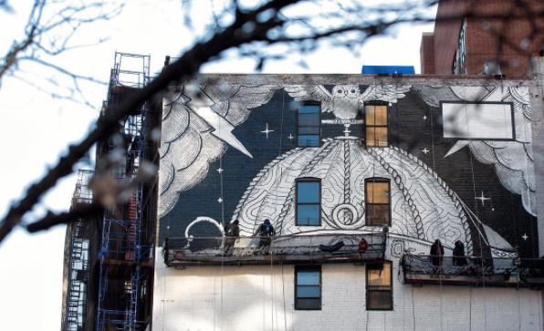 Un murales firmato Gucci durante la Nyfw