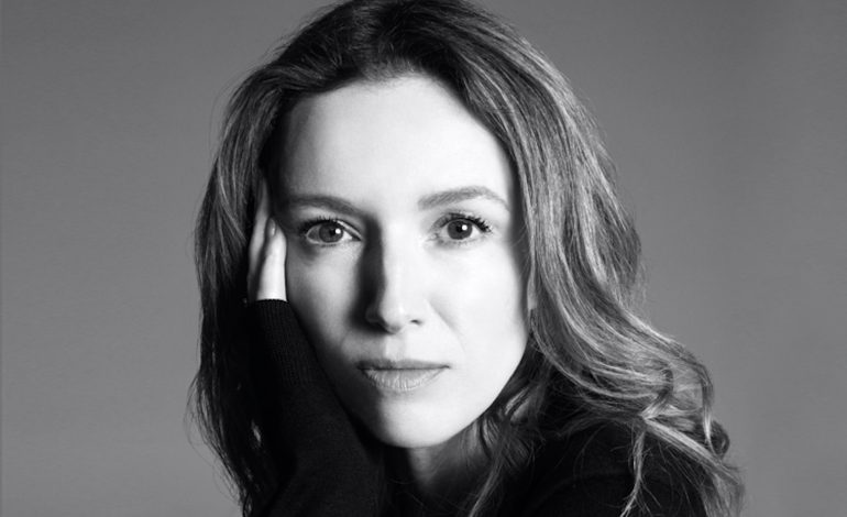 Clare Waight Keller dice addio a Givenchy