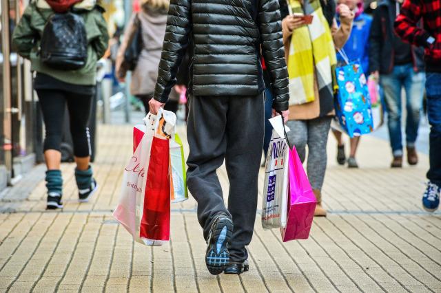 Febbraio nero per Uk, vendite moda giù del 3,4%