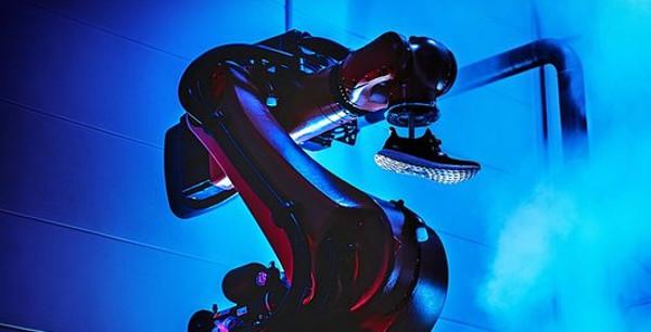 Industria 4.0, Adidas si allea con Siemens