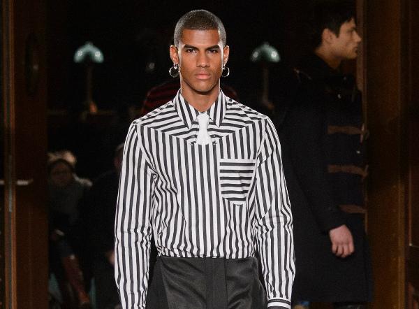 L'uomo di Givenchy non sfilerà a giugno