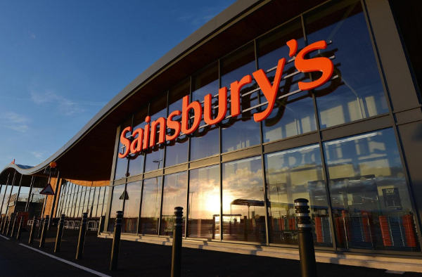 I supermarket Sainsbury's rilanciano linea moda