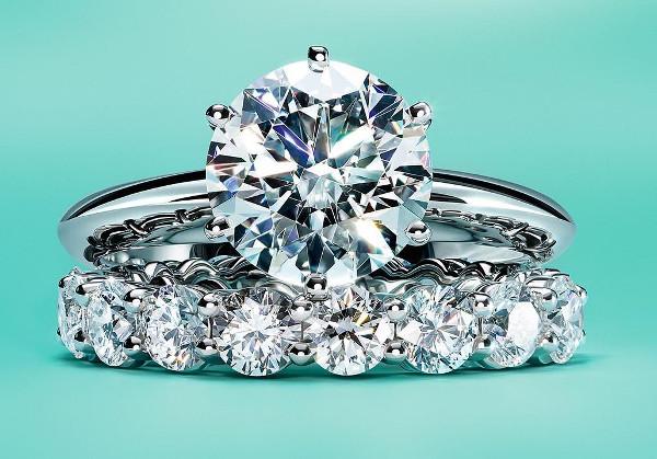 La tracciabilità è per sempre: Tiffany la incide nei diamanti