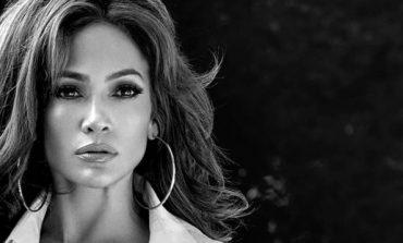 Jennifer Lopez è il nuovo volto di Guess Jeans