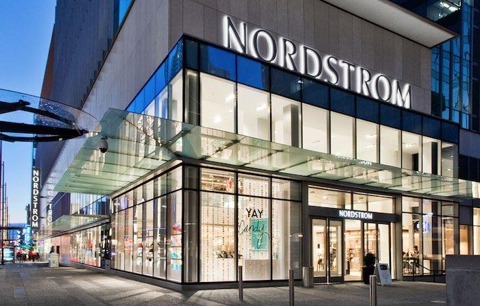 Nordstrom allarga l'offerta curvy