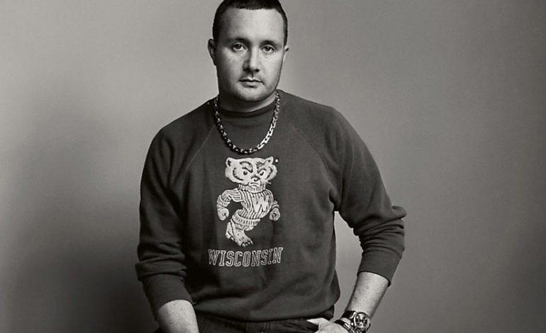 Jones lascia Louis Vuitton. Rumors su Versace