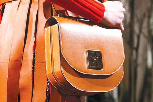 Hermès lancia l'allarme: sempre meno pelli di alta qualità
