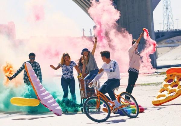 La svolta di Abercrombie, diventa responsabile e 'inclusivo'