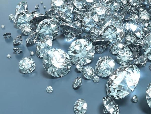 Il Covid contagia anche il mercato dei diamanti
