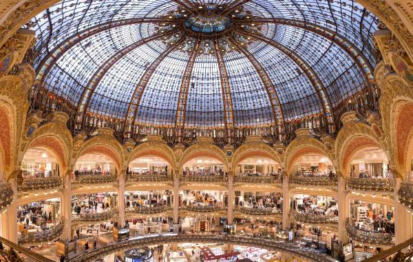 Galeries Lafayette si prende gli Champs-Élysées