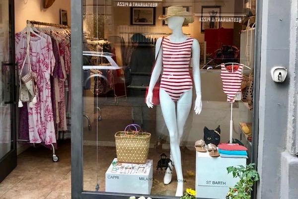 Il beachwear di Delfina sbarca in Brera