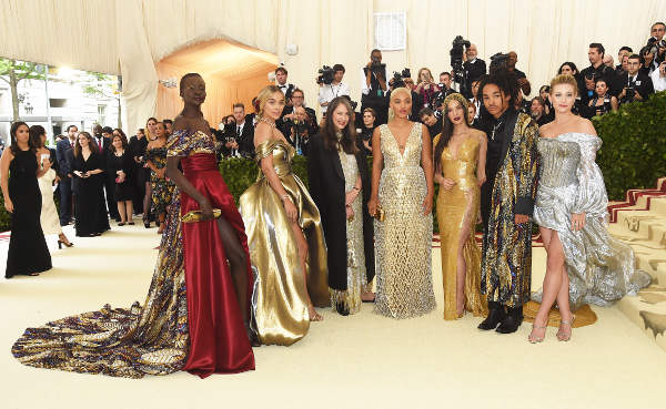 H&M lancia linea Gala ispirata al red carpet