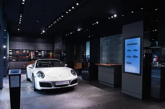 Apre a Milano il nuovo Porsche Studio