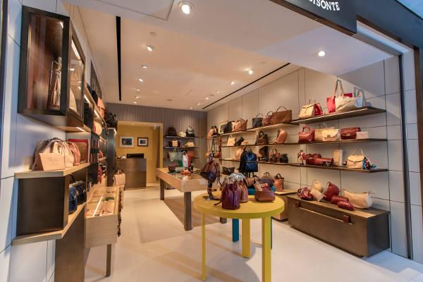 Il Bisonte apre il primo store diretto in Asia